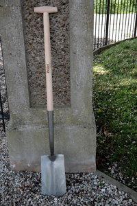 spade met zwanenhals